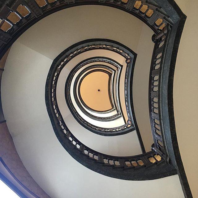 Ein Treppenhaus #treppe #treppenhaus #hh_lieben #hamburg #hh