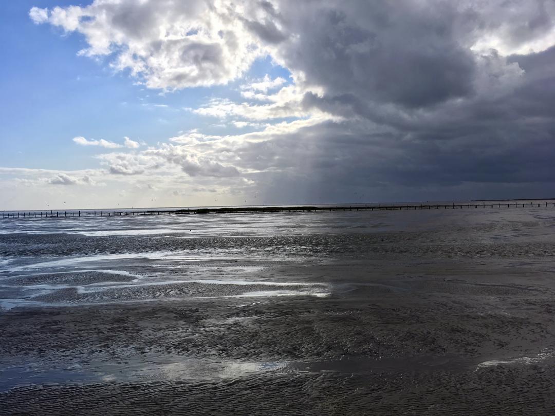 Heute mal wieder ein Bild vom Watt der Nordsee aus einer anderen Zeit.Today again a picture of the mudflats of the North Sea from another time.#bild #watt #nordsee #zeit #wasser #meer #sonne #wolken #nordfriesland #nf #nf_lieben #image #watt #northsea #time #water #sea #sun #clouds #nf_love